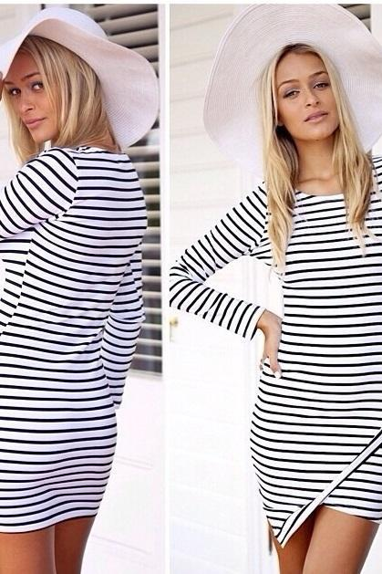 Fashion Stripe Print Long Sleeve Round Neck Dress - White