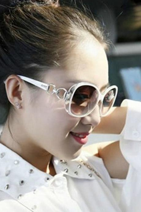 Free Shipping Fashion Gradient Sunglasses For Women - White